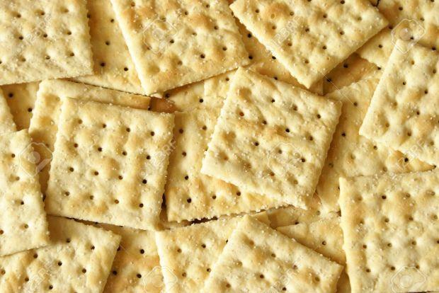 9910019-A-macro-shot-of-a-heaping-pile-of-soda-crackers--Stock-Photo.jpg