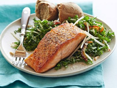 FNK_pan-seared-salmon-with-kale-apple-salad_s4x3.jpg.rend.sni12col.landscape.jpeg