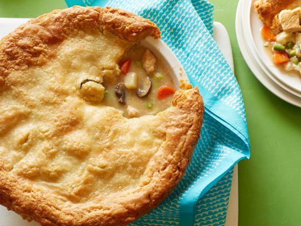 FN_gluten-free-chicken-pot-pie_s4x3.jpg.rend.sni18col.jpeg